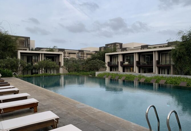 Find the best hotel near airport to stay in indore- hotel apna avenue